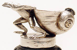 Frog dragging Shell - Left Side